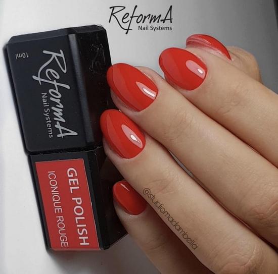 czerwone paznokcie - trendy w manicure